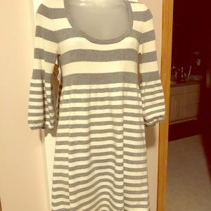 Scoop neck gray and white sweater dress